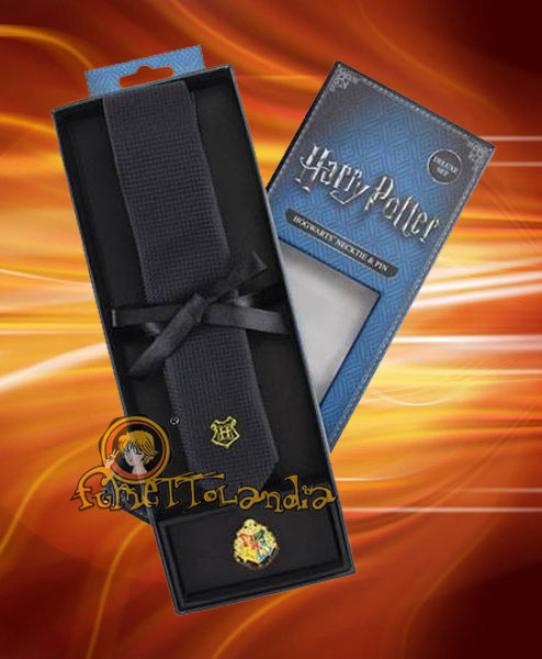 HARRY POTTER CRAVATTA HOGWARTS TIE & METAL PIN DELUXE BOX