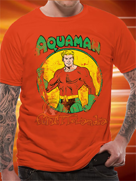 AQUAMAN ALL THE HEROES DISTRESSED T-SHIRT (M)
